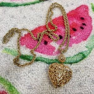 Jewelry - Heart oversized necklace